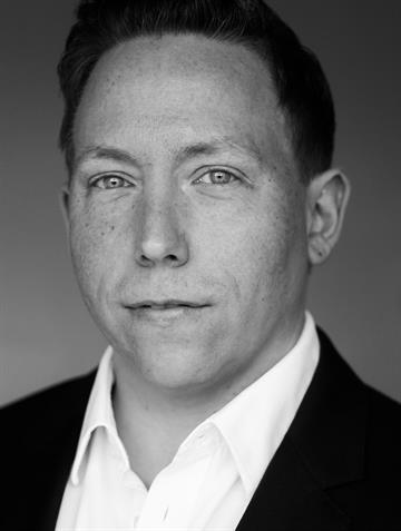 ce585cfd8286 Christian Larsson - Mäklare   Svensk Fastighetsförmedling